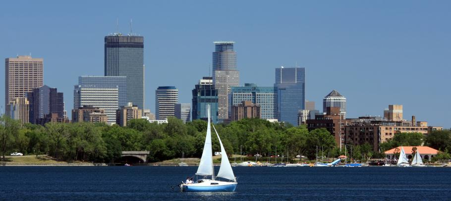 Minneapolis sailboat skyline